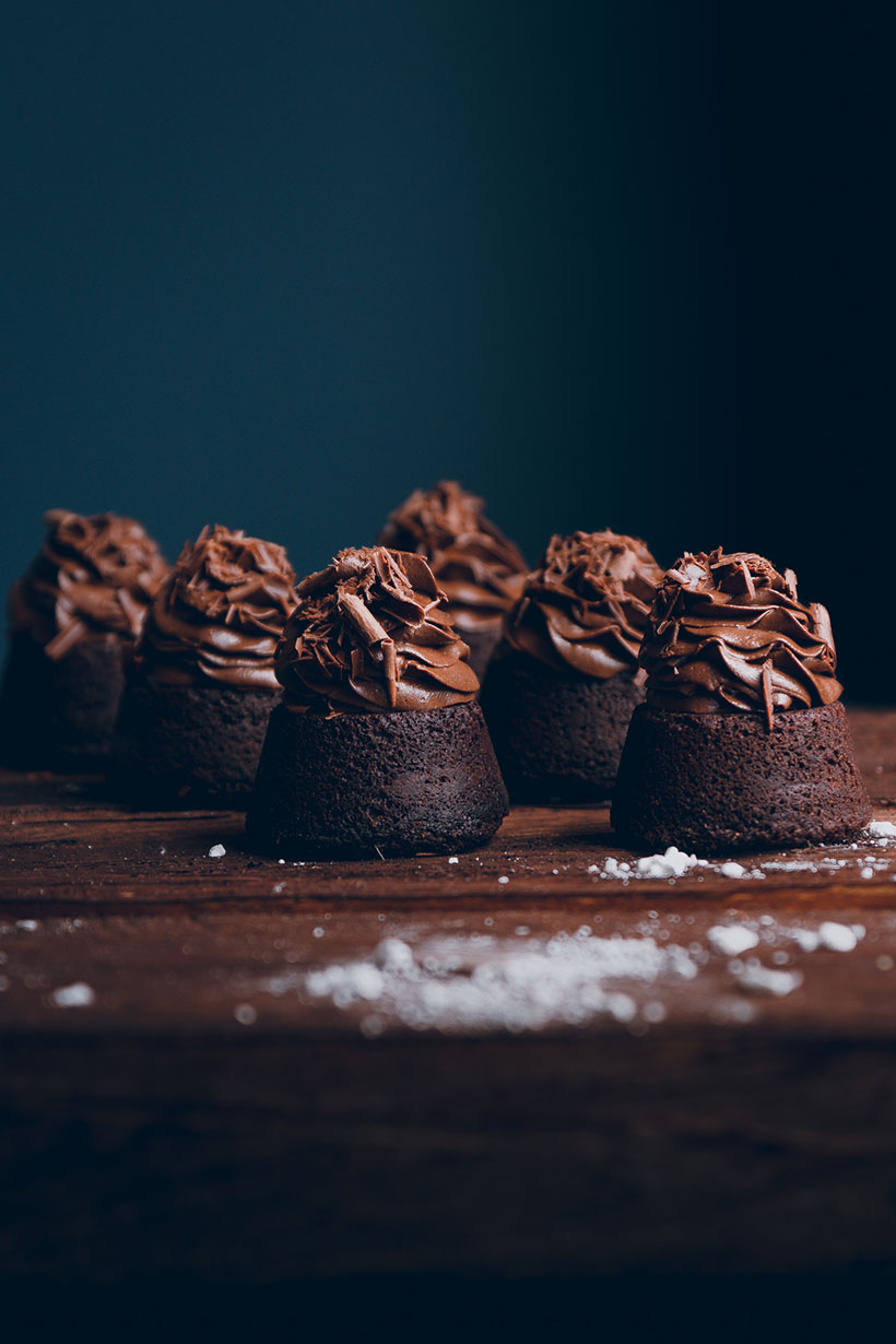 Mini Brownies With Chocolate Frosting Historias Del Ciervo