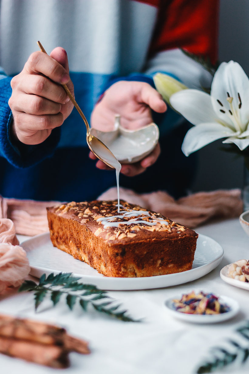Pineaple and nuts pound cake